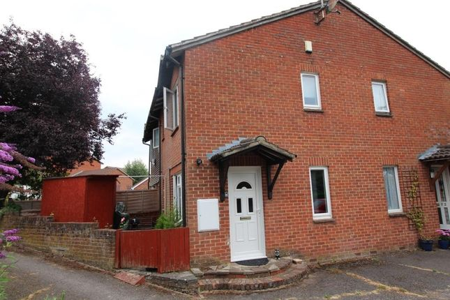 1 bed semi-detached house to rent in Rushmoor Gardens, Calcot, Reading RG31