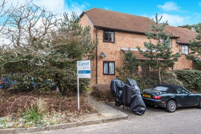 Thumbnail Maisonette for sale in Lightwater, Surrey