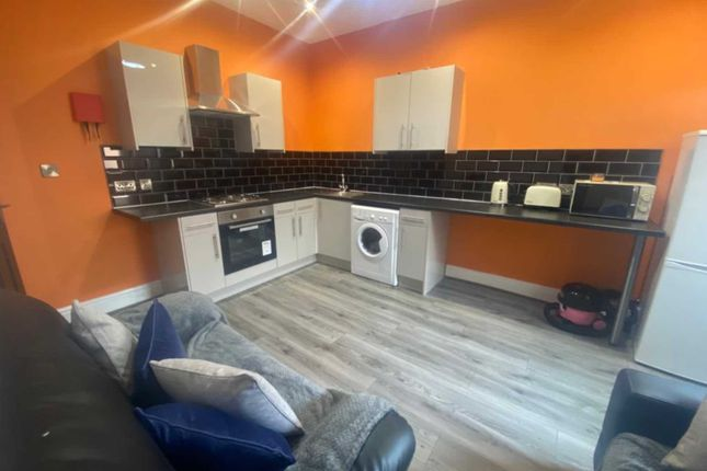 4 bed shared accommodation to rent in Osborne Street, Salford M6