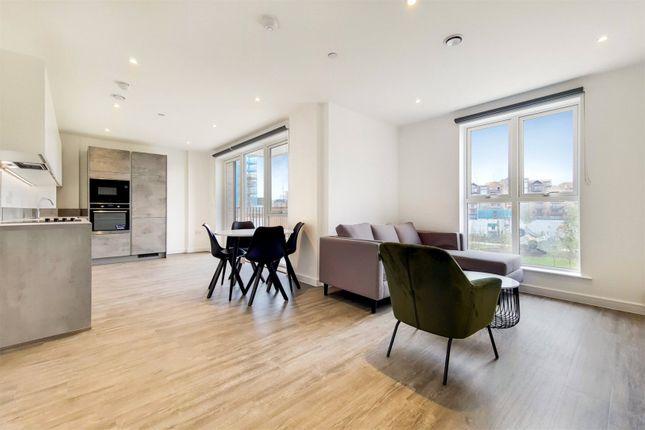 Thumbnail Flat to rent in Fresh Wharf Road, Barking