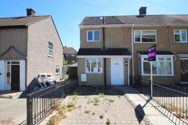 Thumbnail 1 bedroom end terrace house to rent in Faringdon Avenue, Romford