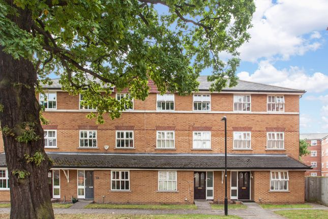 5 bed terraced house for sale in Macmillan Way, London