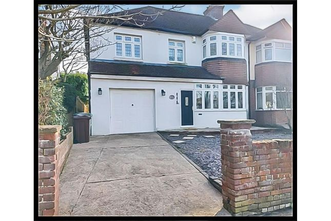 Thumbnail Detached house to rent in Park Way, Maidstone