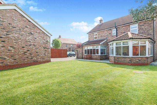 Thumbnail 4 bed detached house for sale in Pasture Lane, Scartho Top Grimsby