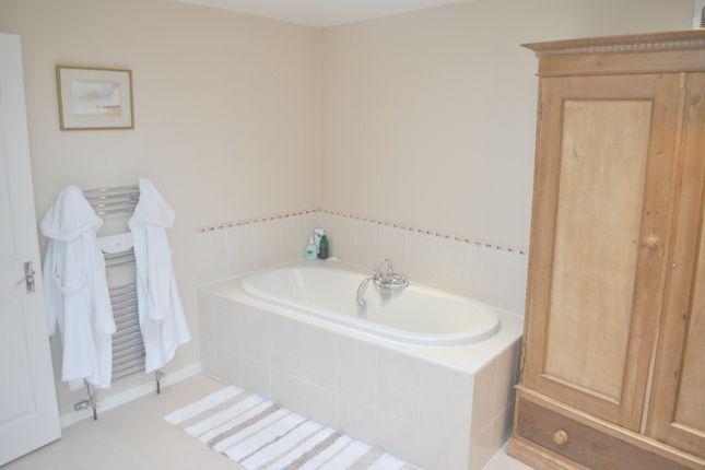 Bathroom of Salisbury Close, Potters Bar EN6