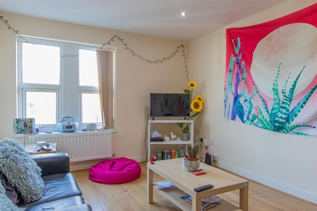 Thumbnail Property to rent in Richmond Crescent, Roath, Cardiff