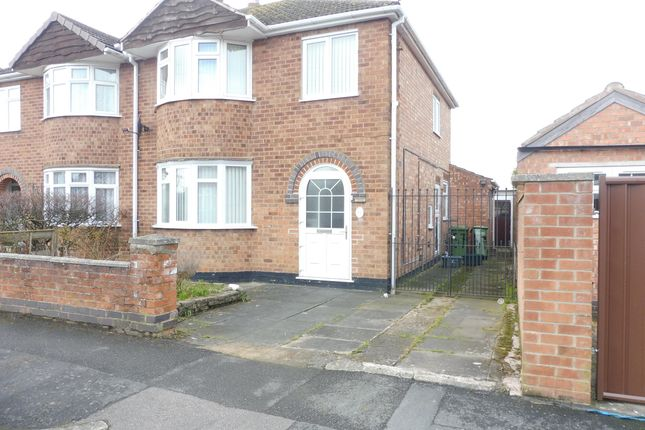 4 bed property to rent in Bradgate Drive, Wigston