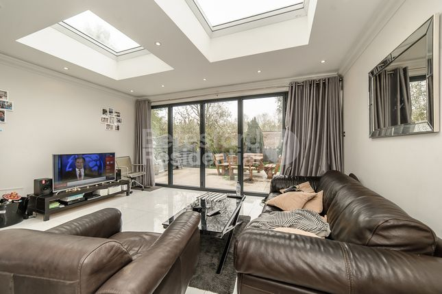 Thumbnail Terraced house to rent in Byrne Road, London