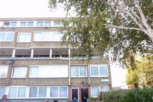 Thumbnail Flat to rent in Garnies Close, London