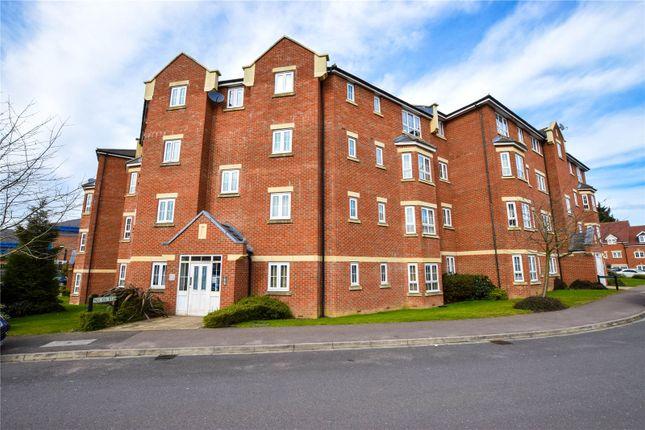 Thumbnail Flat to rent in Watling Gardens, Dunstable, Bedfordshire