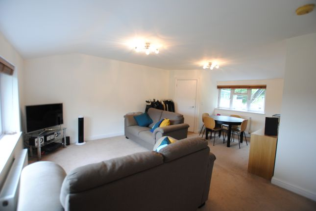 Thumbnail 2 bed flat to rent in Cliff End, Purley