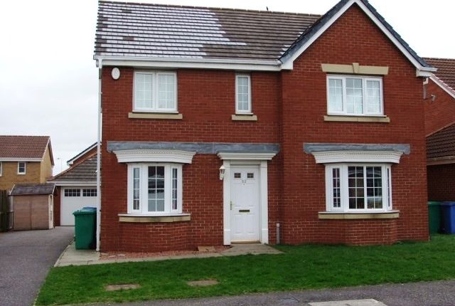 Thumbnail Detached house to rent in Petrel Way, Dunfermline, Fife