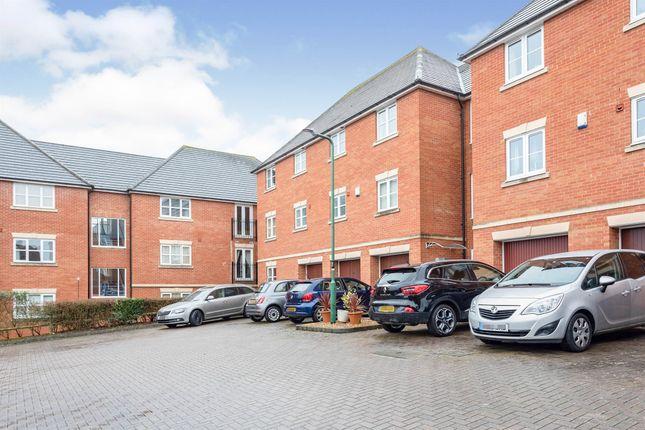 4 bed flat for sale in Darwin Close, Medbourne, Milton Keynes MK5