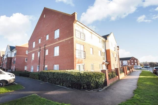 Thumbnail Flat for sale in Powell Road, Basildon, Essex