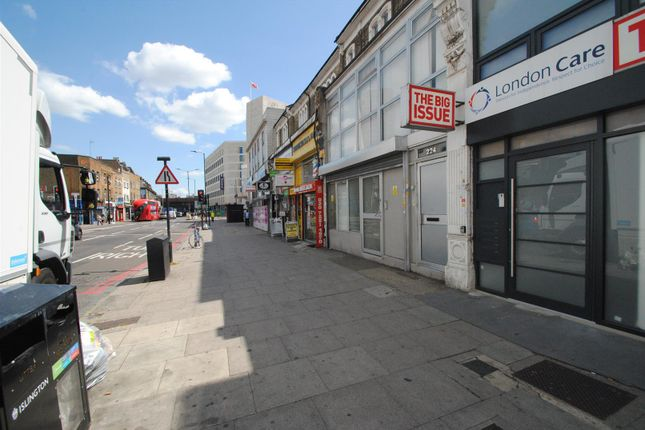 Thumbnail Flat to rent in Seven Sisters Road, Finsbury Park, London