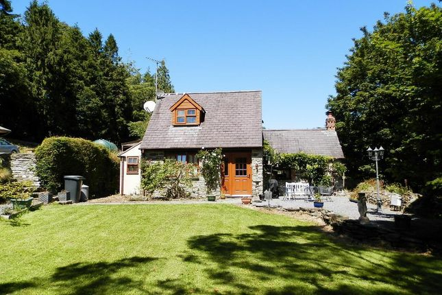 Thumbnail Property for sale in Neuadd Cross, Ponthirwaun, Cardigan, Ceredigion