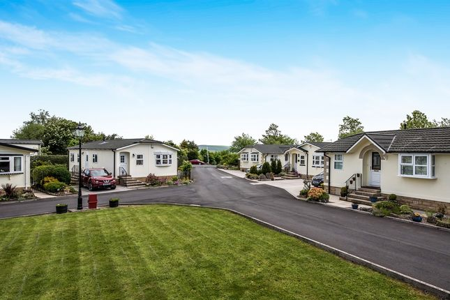 Thumbnail Mobile/park home for sale in Higher Lane, Salterforth, Barnoldswick