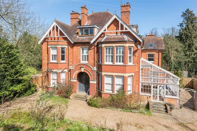 Thumbnail Flat for sale in Woburn Hill, Addlestone, Surrey