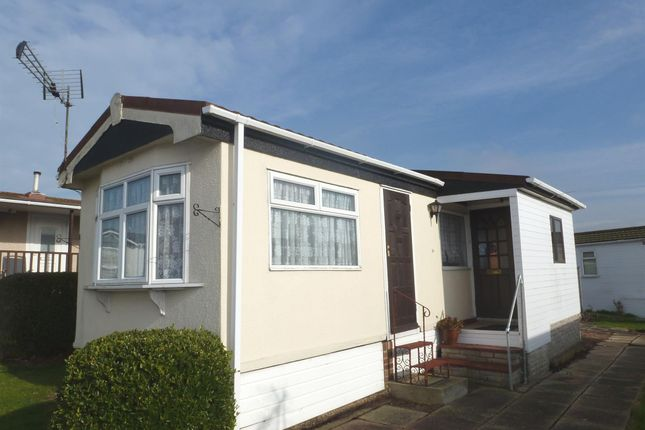 Thumbnail Mobile/park home for sale in Lower Dunton Road, Dunton, Brentwood