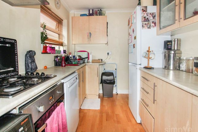 Thumbnail Flat to rent in Shelley Close, Hayes, Middlesex