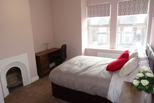 Thumbnail Room to rent in Rm 4, Lincoln Road, Peterborough.