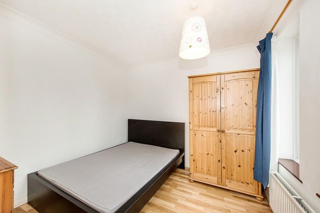 Bedroom of Vaughan Way, London E1W