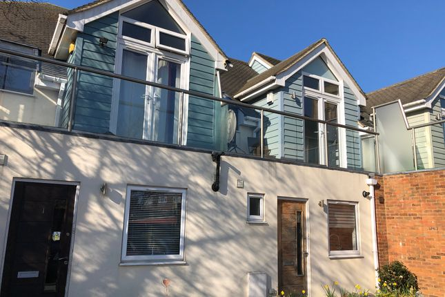 Thumbnail Terraced house to rent in St. James Road, East Grinstead