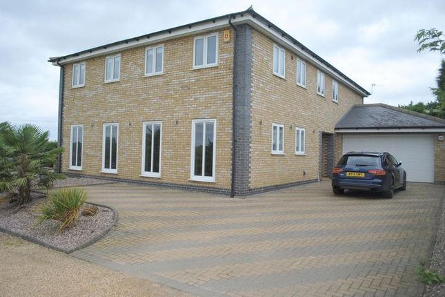 Thumbnail Detached house for sale in Northampton Road, Rushden