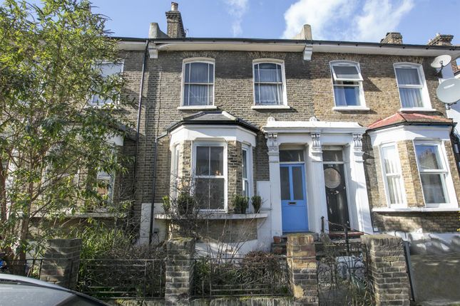 Flat for sale in Shardeloes Road, New Cross