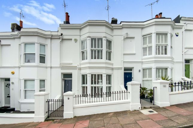 Thumbnail Terraced house for sale in Victoria Street, Brighton