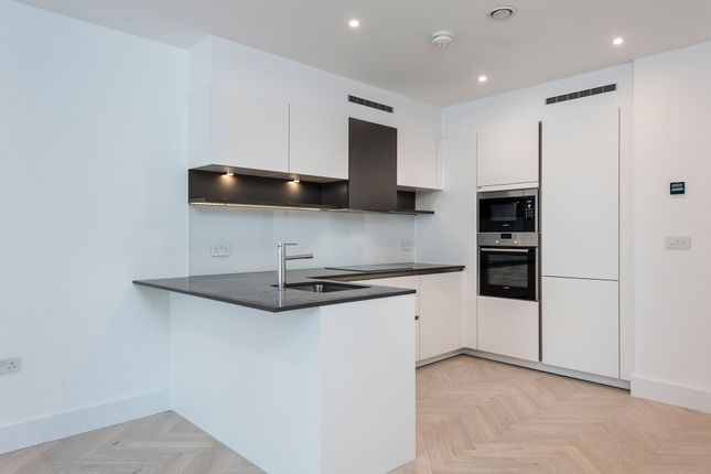 Thumbnail Flat for sale in Sterling Way, London