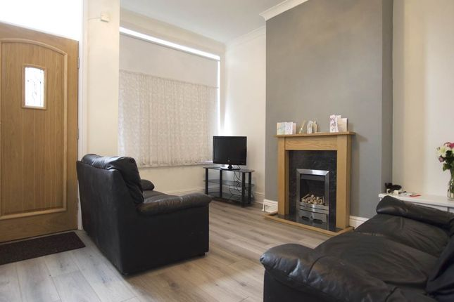 Thumbnail Shared accommodation to rent in Broad Lane, Kirkstall, Leeds