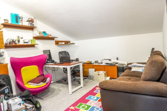 Office / Study of Passmore, Milton Keynes MK6