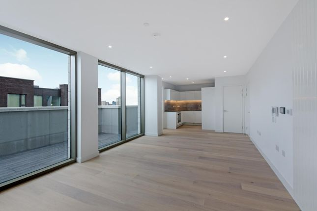 Thumbnail Flat to rent in Commodore House, Royal Wharf, London