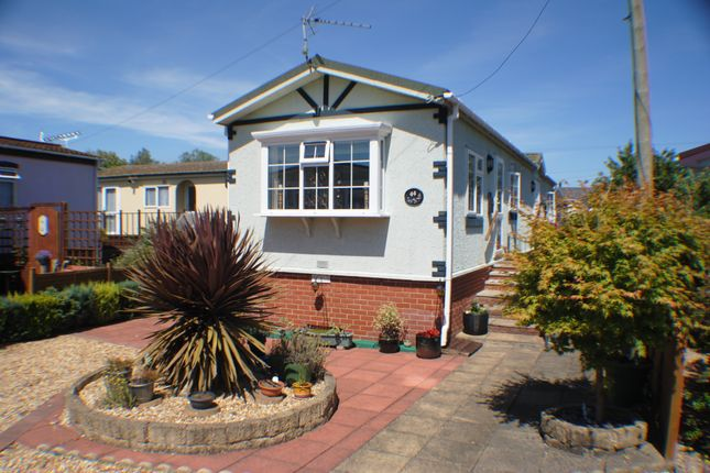 2 Bed Mobile Park Home For Sale In Old Brisge Road Bournemouth