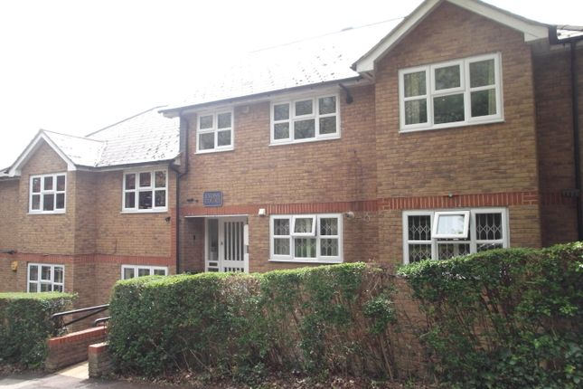 Thumbnail Flat to rent in Eversleigh Road, New Barnet