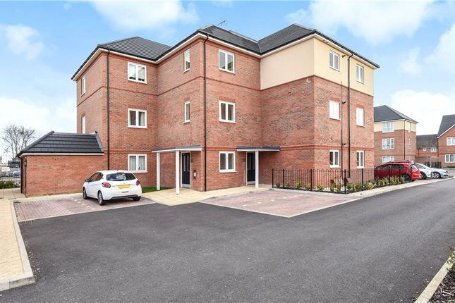 Thumbnail Flat for sale in Sycamore House, 6 Holywell Way, Staines-Upon-Thames