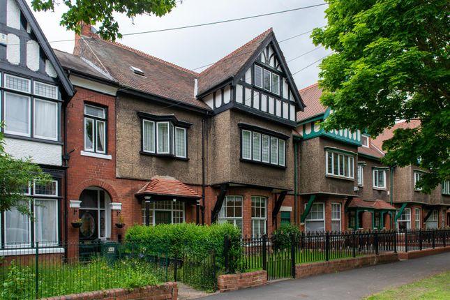 Flat to rent in Victoria Avenue, Princes Avenue, Hull