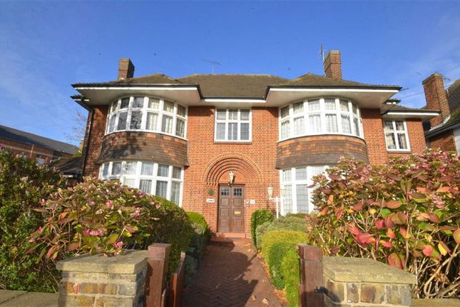 Thumbnail Flat for sale in St Vincents Road, Westcliff-On-Sea, Essex
