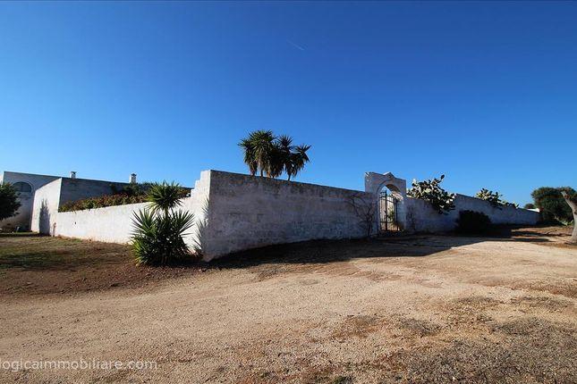 Thumbnail Farmhouse for sale in Sp21, Ostuni, Apulia