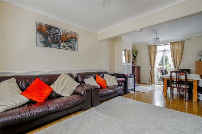 Lounge of Dover Road, London N9