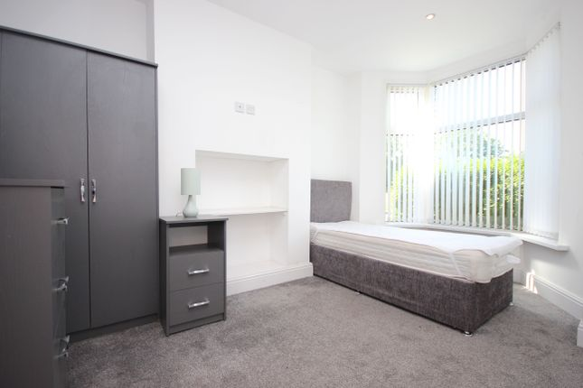 4 bed property to rent in Mitella Street, Burnley BB10