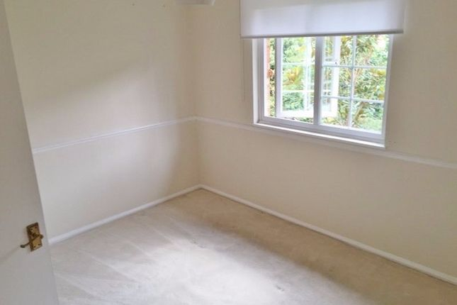 Thumbnail Town house to rent in Canterbury Place, London