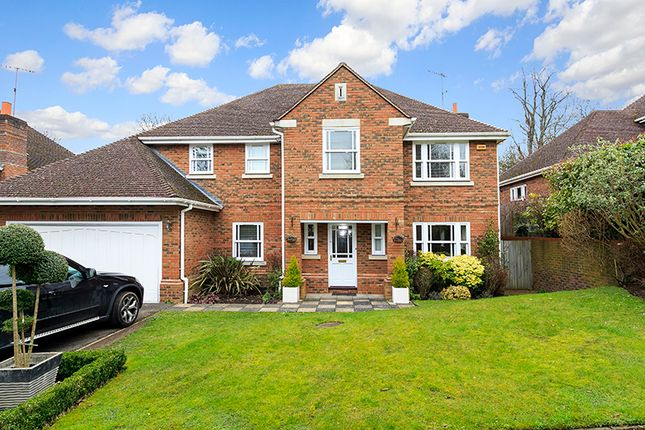 Thumbnail Detached house for sale in Howitts Close, Esher