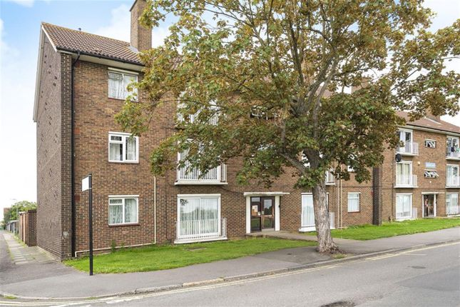 Thumbnail Flat to rent in Greenway, Hayes, Middlesex