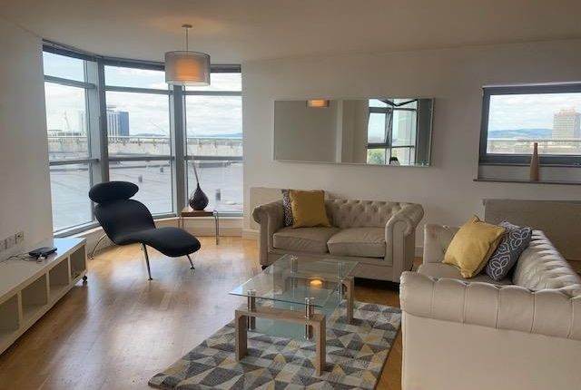 Thumbnail Flat to rent in Altolusso, Bute Terrace, Cardiff