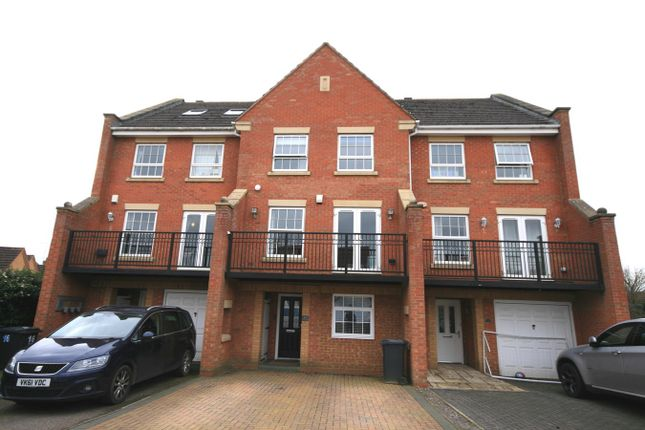 5 bed town house for sale in Villa Way, Wootton, Northampton NN4
