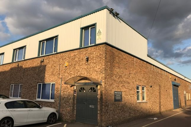 Thumbnail Warehouse to let in Penfold Trading Estate, Imperial Way, Watford