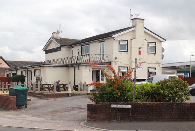 Thumbnail Pub/bar for sale in Pontfaen Road, Newport