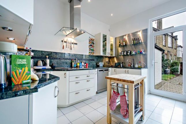 Thumbnail Property to rent in Fernwood Avenue, London